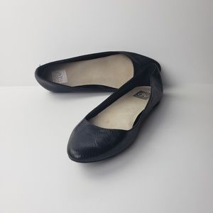 Dolce Vita Black Pointed Toe Flats, Size 8